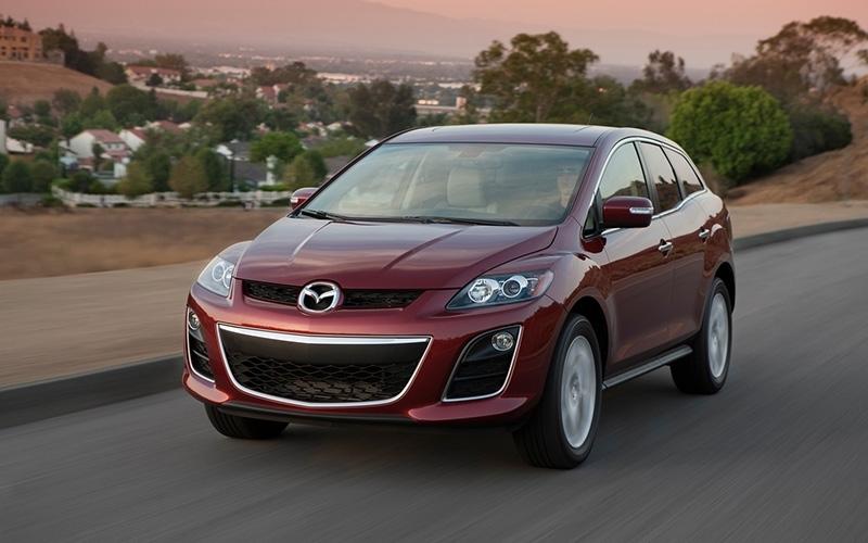 Владелец Mazda CX-7 умничка и вообще молодец, а Mazda-3 повезло, на халяву пошел прицепом...